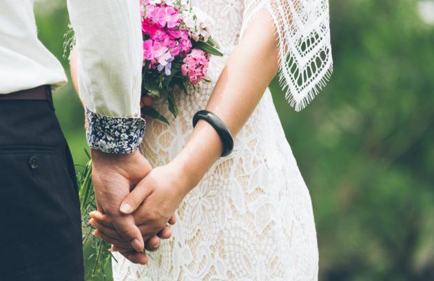 روانشناس ازدواج و زوج درمانی در خانه مهر همراه و هم قدم شما عزیزان است
